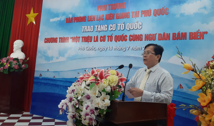 Ông Tô Đình Tuân - Tổng Biên tập Báo Người Lao Động phát biểu tại buổi lễ
