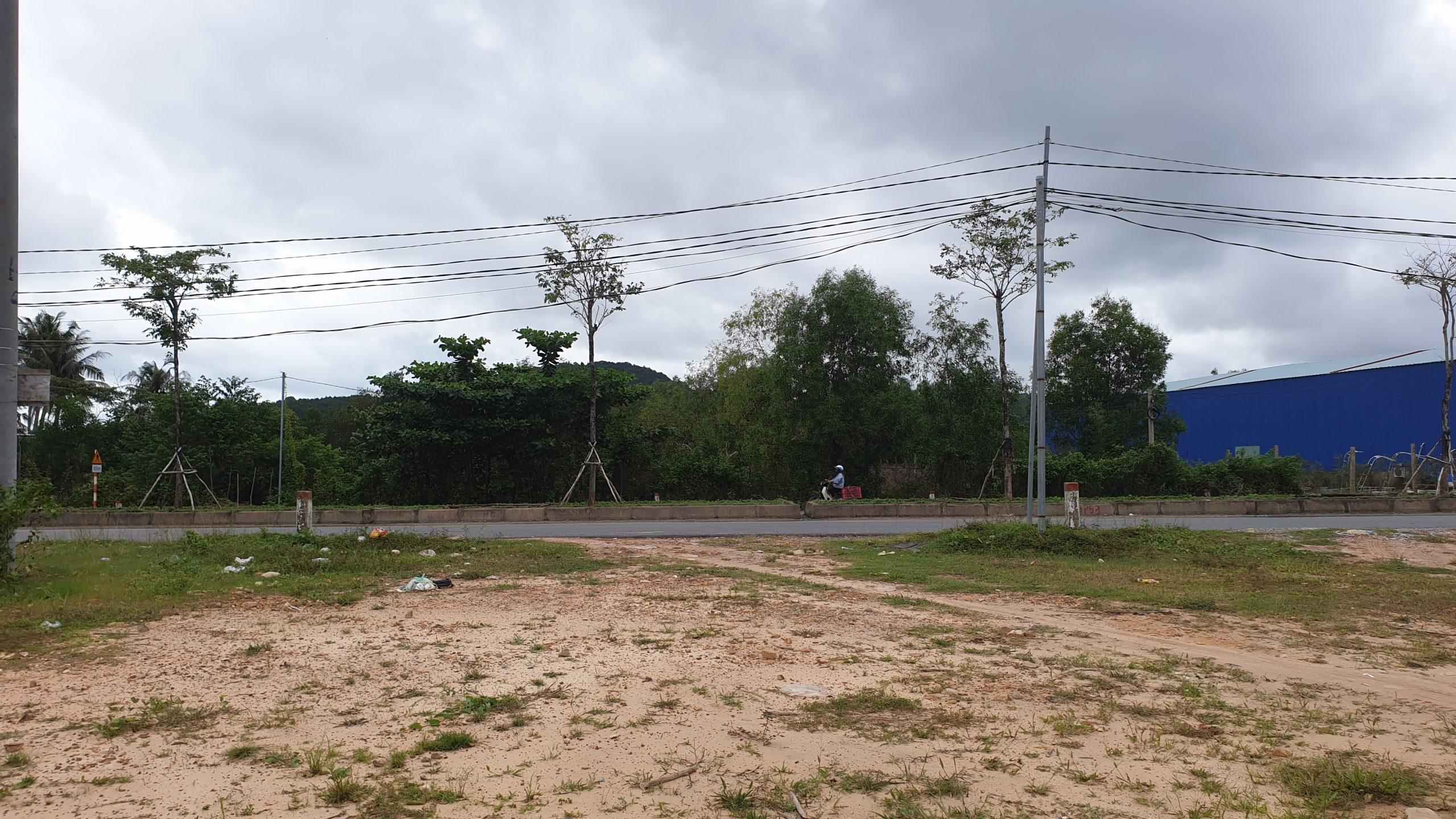 Bán đất đã có sổ tại Dương Tơ Phú Quốc mặt tiền hơn 6m nở hậu