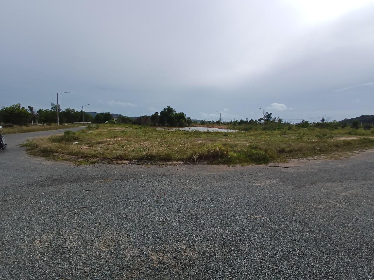 Cần bán lô đất khu dân cư suối lớn