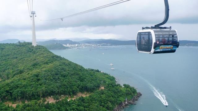 Khi Phú Quốc được nâng lên thành phố đảo Phú Quốc sẽ tạo sức hấp dẫn thu hút đầu tư, góp phần phát triển kinh tế du lịch ở hòn đảo xanh tươi này