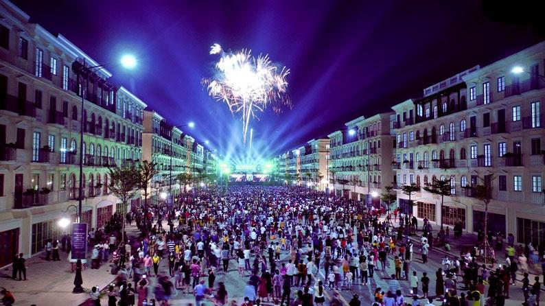 Màn bắn pháo hoa chào mừng Phú Quốc chính thức lên thành phố đầu tiên