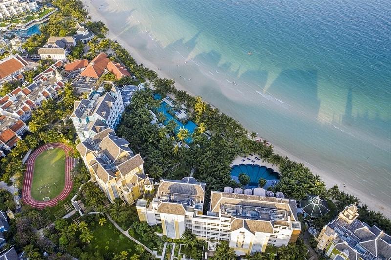 Sức hấp dẫn của JW Marriott Phu Quoc Emerald Bay cũng như Nam đảo Ngọc đã từng khiến tỷ phú Ấn Độ lập tức bỏ qua những thiên đường mật ngọt như Bali, Maldives để chọn Nam đảo là nơi tổ chức lễ cưới quan trọng nhất cuộc đời