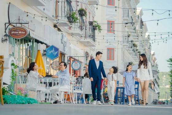 Bất chấp đại dịch, giá trị bất động sản Phú Quốc không ngừng thăng hạng cùng với những dự án lớn của những chủ đầu tư lớn liên tục mở bán thành công.